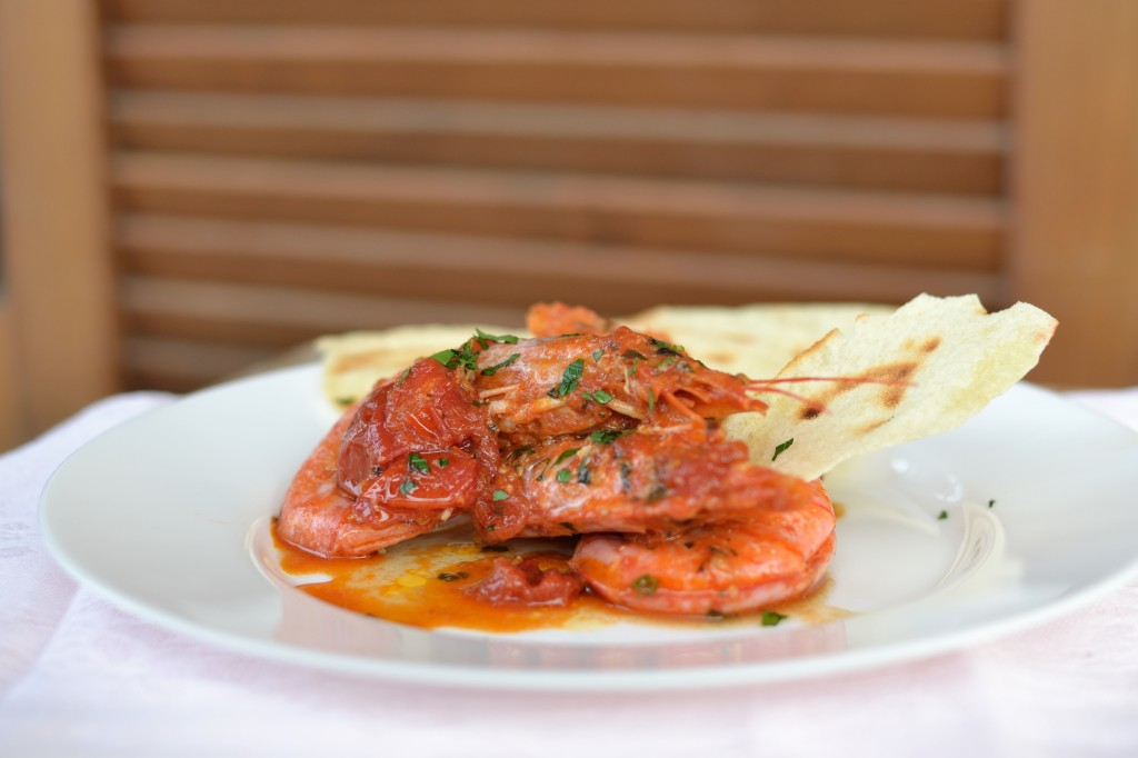 Kaemperejer i tomatsovs